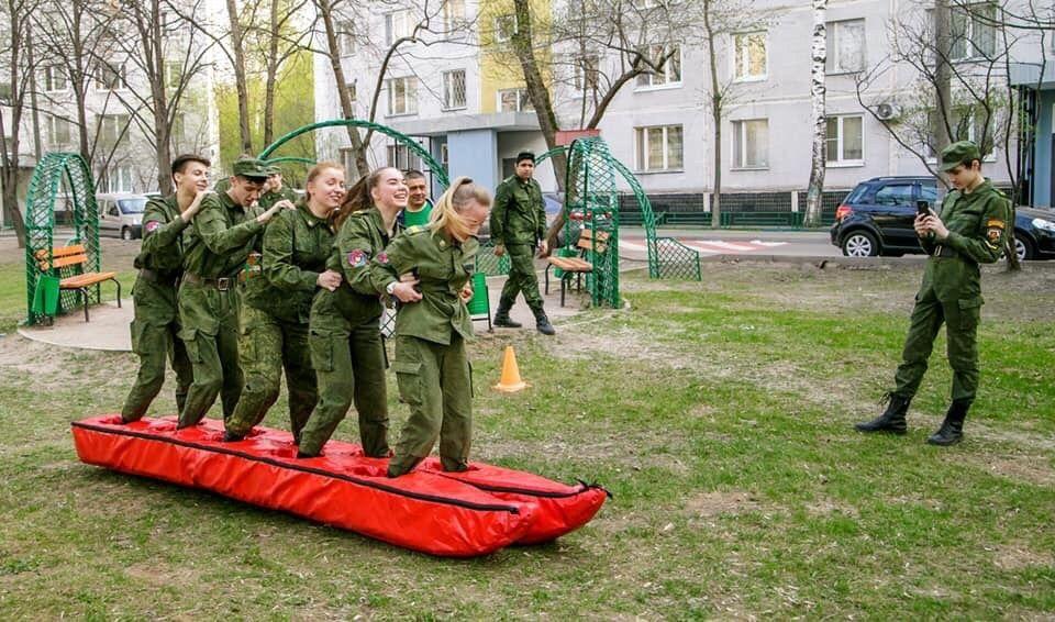 Школьники юга поучаствовали в военно-патриотической игре «Зарница»
