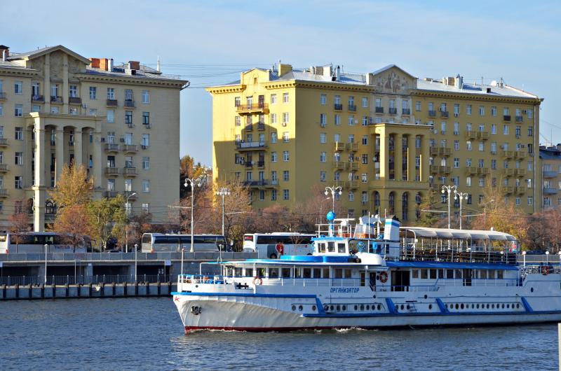 Около 50 судов начали курсировать по Москве-реке