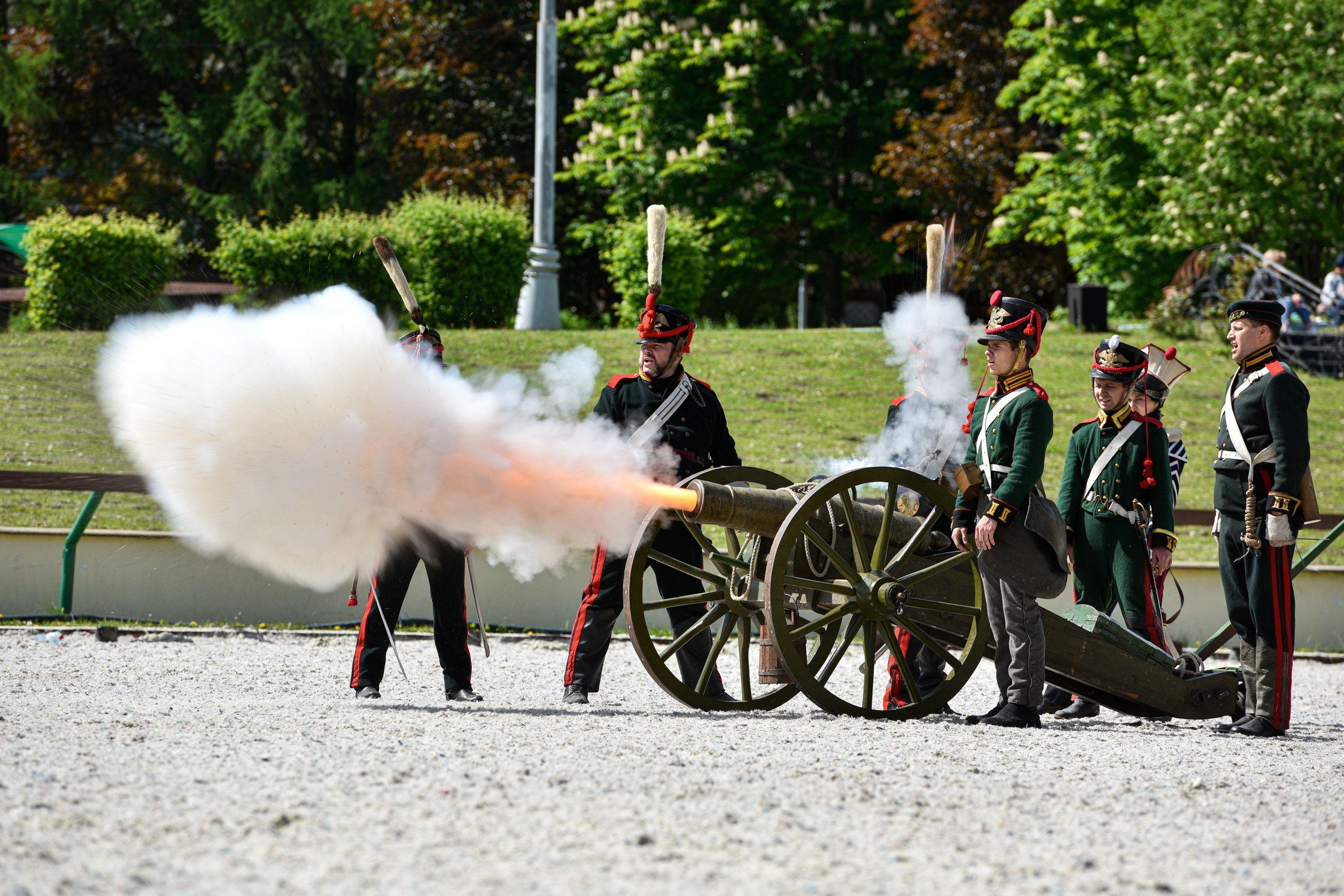 Фотофакт: военно-историческое шоу