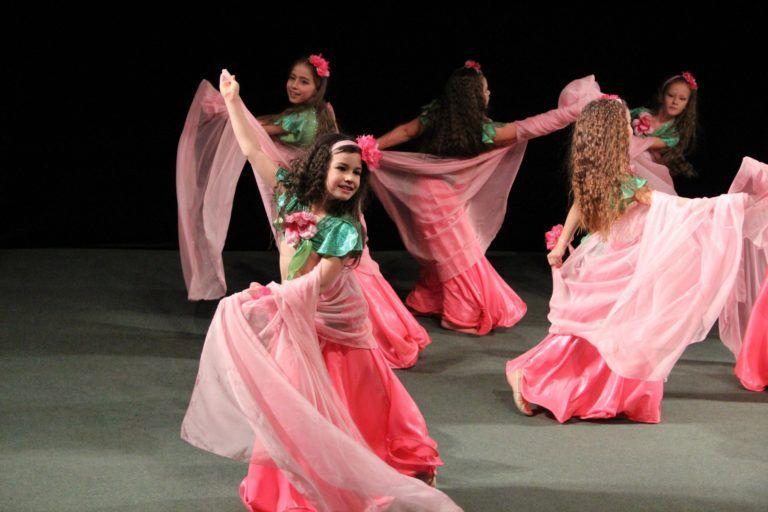Танцы стран Востока: воспитанники студии «Аманат» покажут эффектное шоу в «Маяке»