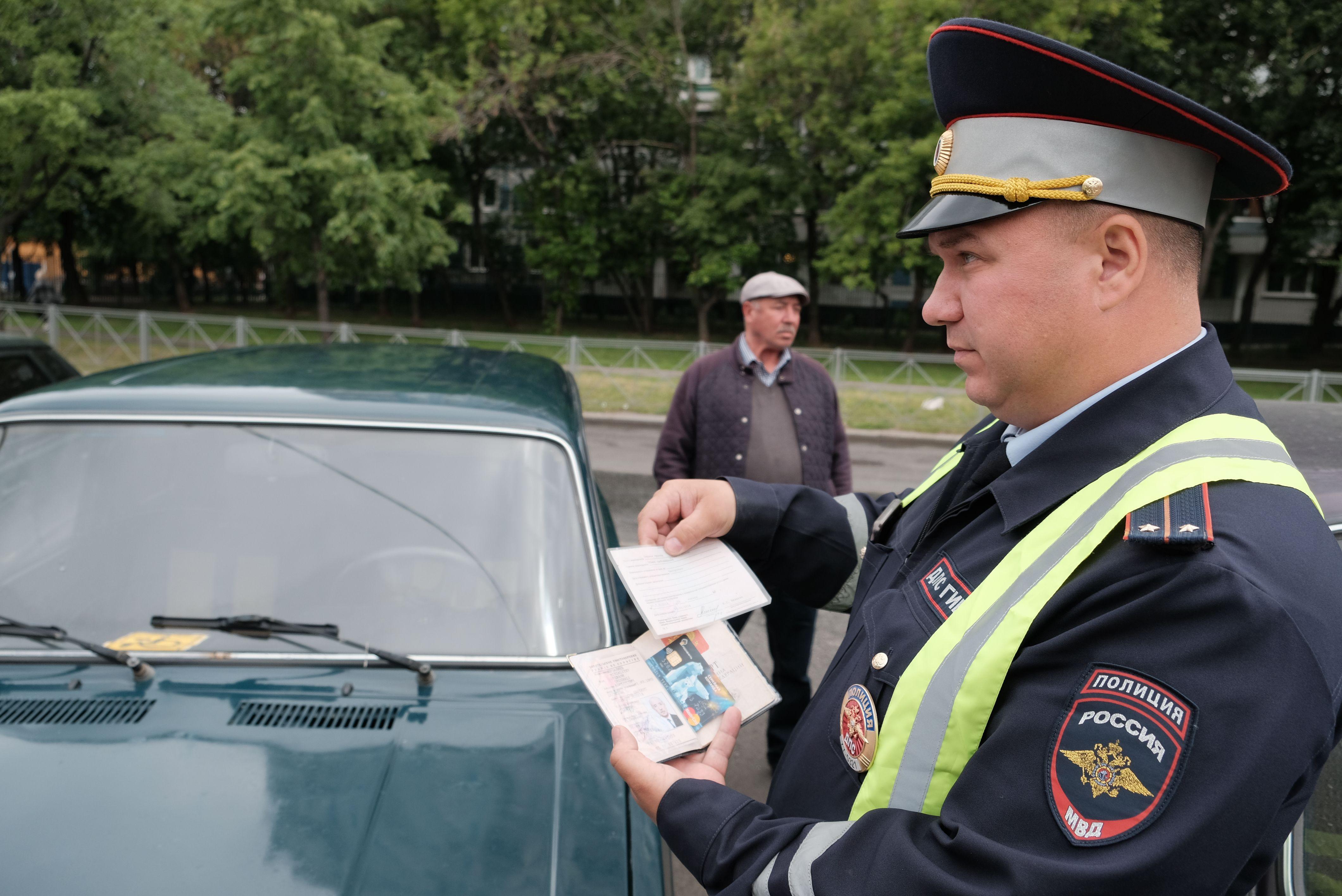 Водителей наказали за неправильную парковку