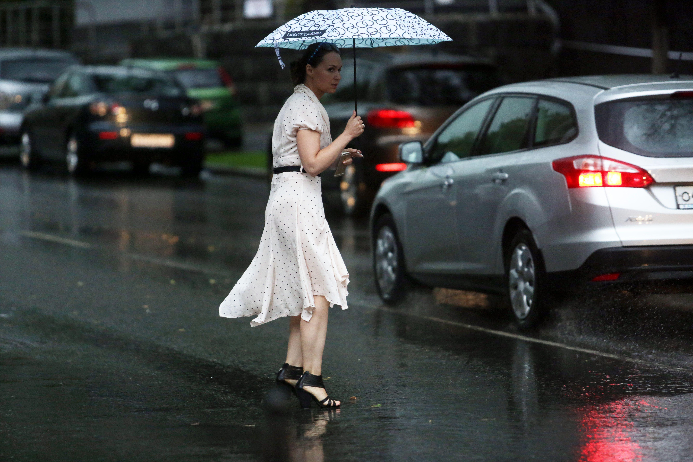 Московские синоптики предсказали дождь на выходных.