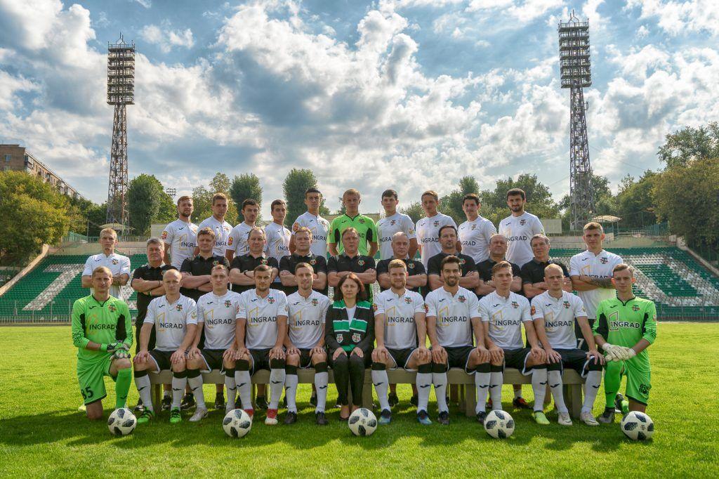 Команда «Торпедо» на своем родном стадионе. Фото предсотавили сотрудники пресс-службы ФК «Торпедо»