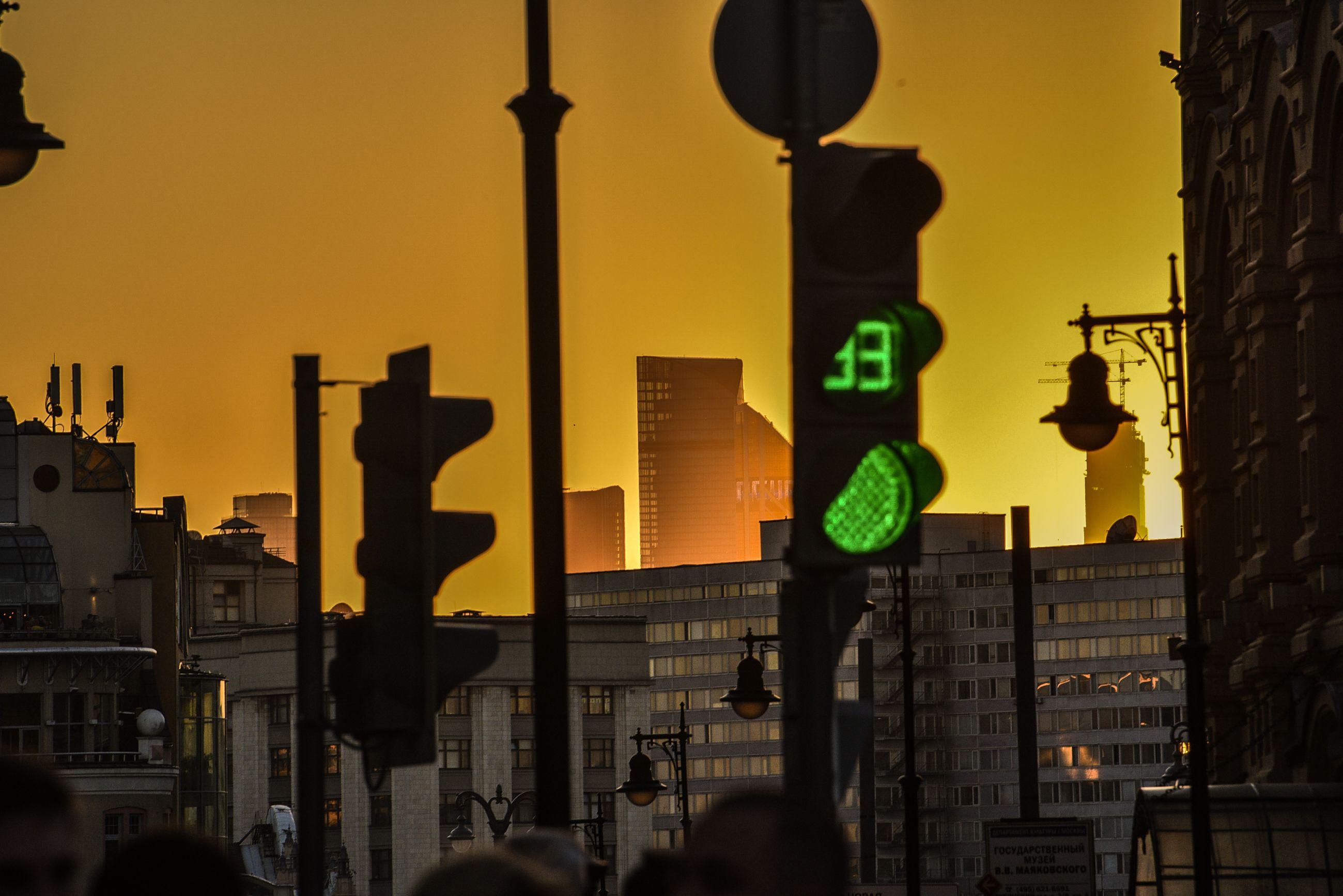 Москва «ударит светофорами» по аварийно опасным участкам