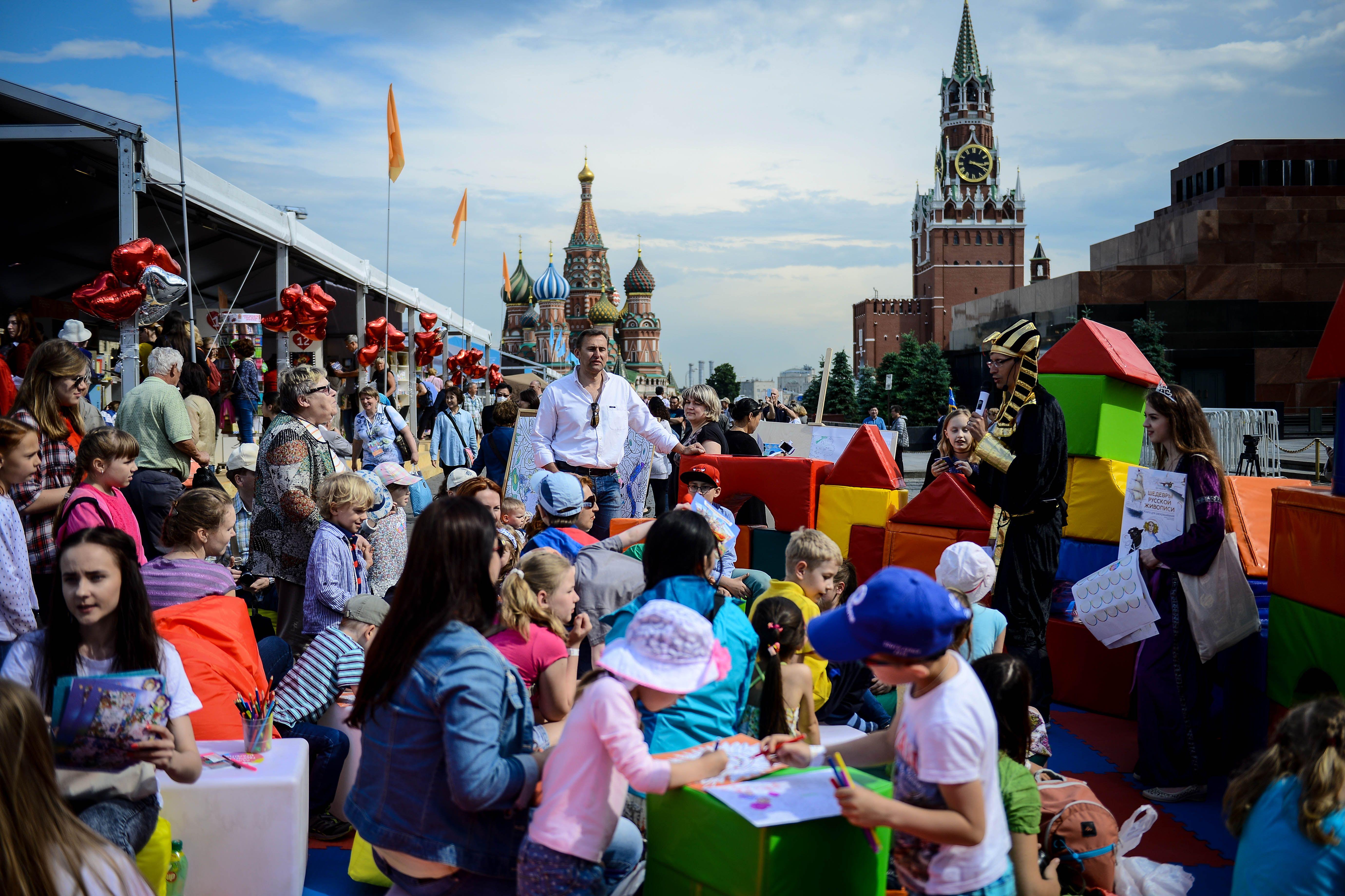Фестиваль «Красная площадь» пригласил на бесплатные экскурсии