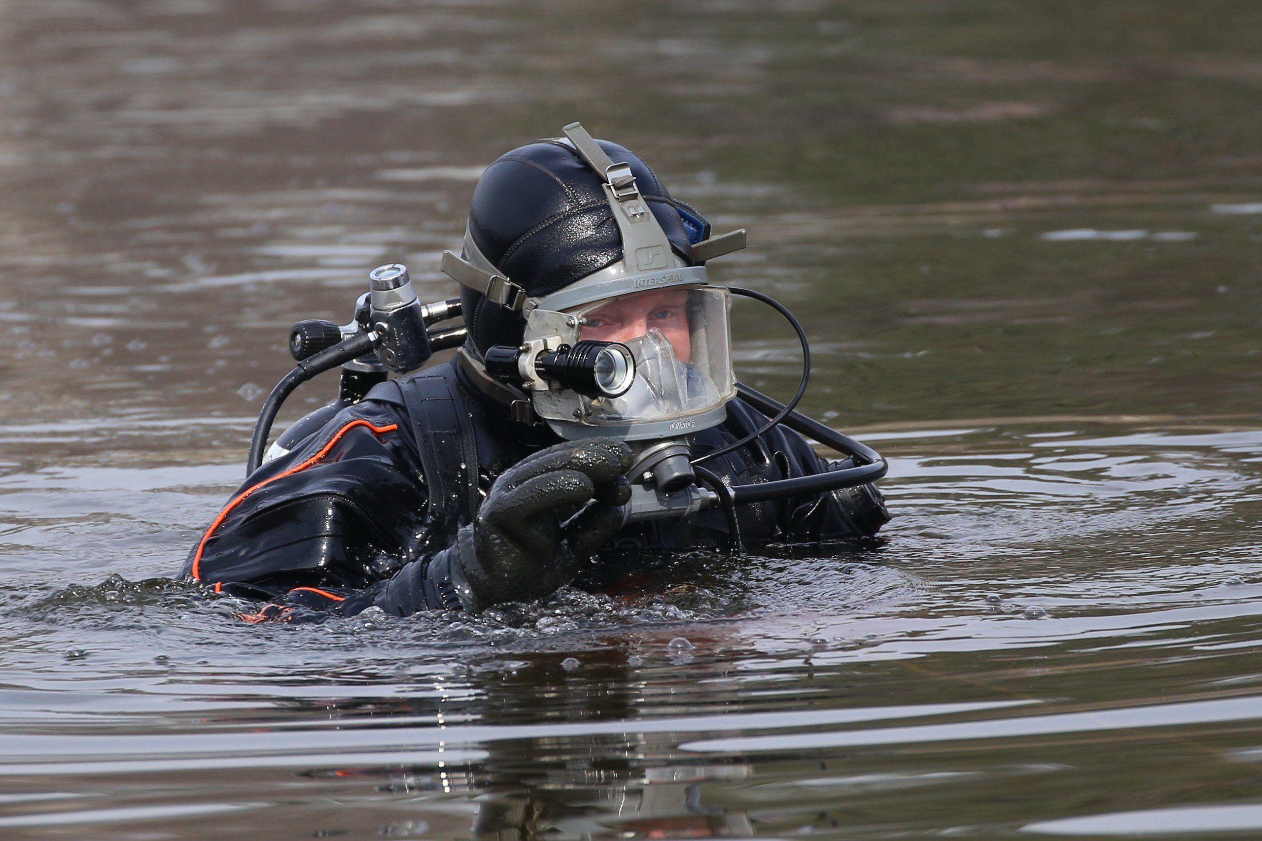 144 года на боевом посту стоят московские водные спасатели
