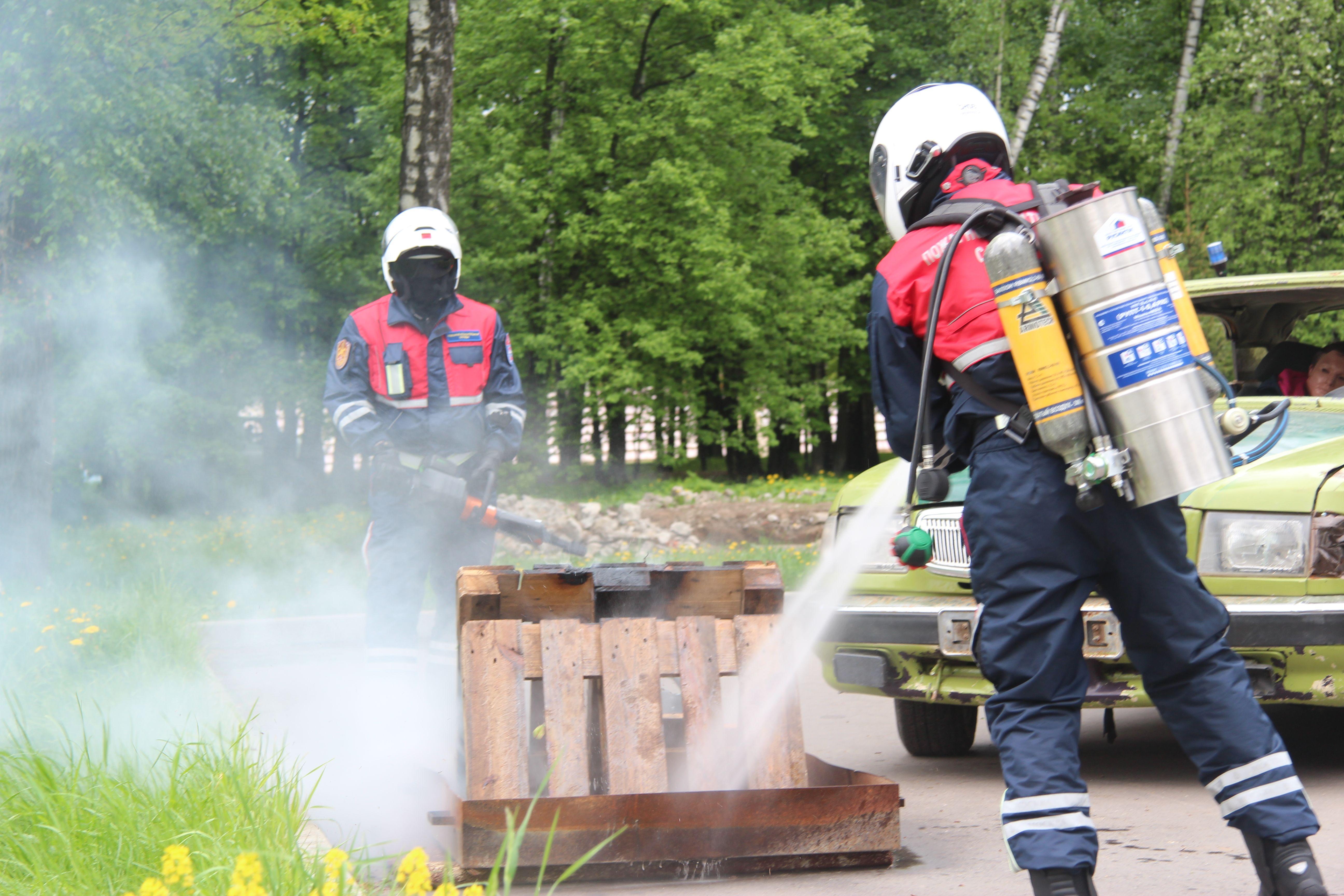 Мотоспасатели спешат на помощь