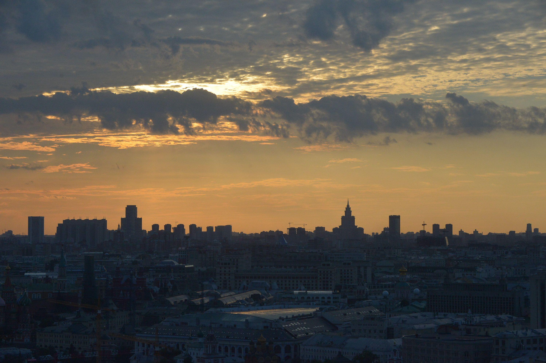 Летние выходные принесут в Москву потепление