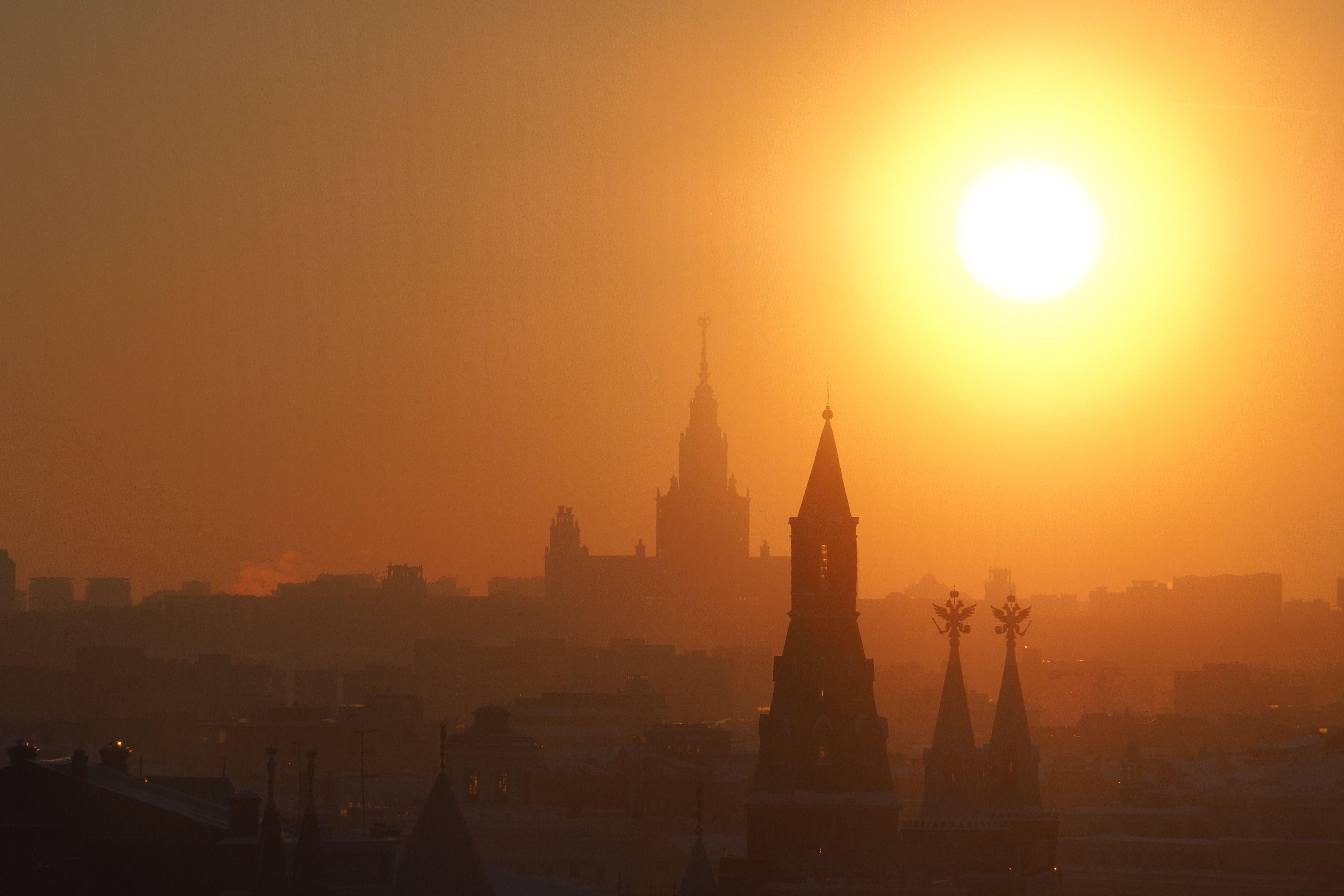 Москва прогреется почти до 30 градусов на три дня
