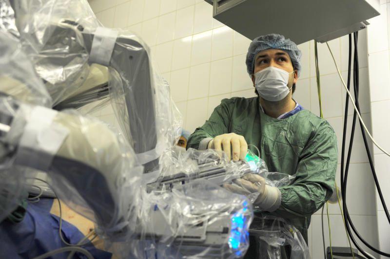 Столичные врачи провели двухтысячную операцию по уникальной методике