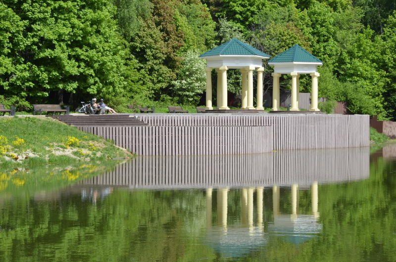 Посетителям дендропарка предложили пройти квест в стиле скандинавской ходьбы