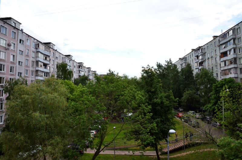 Реконструкцию контейнерных площадок выполнят по четырем адресам на Судостроительной улице