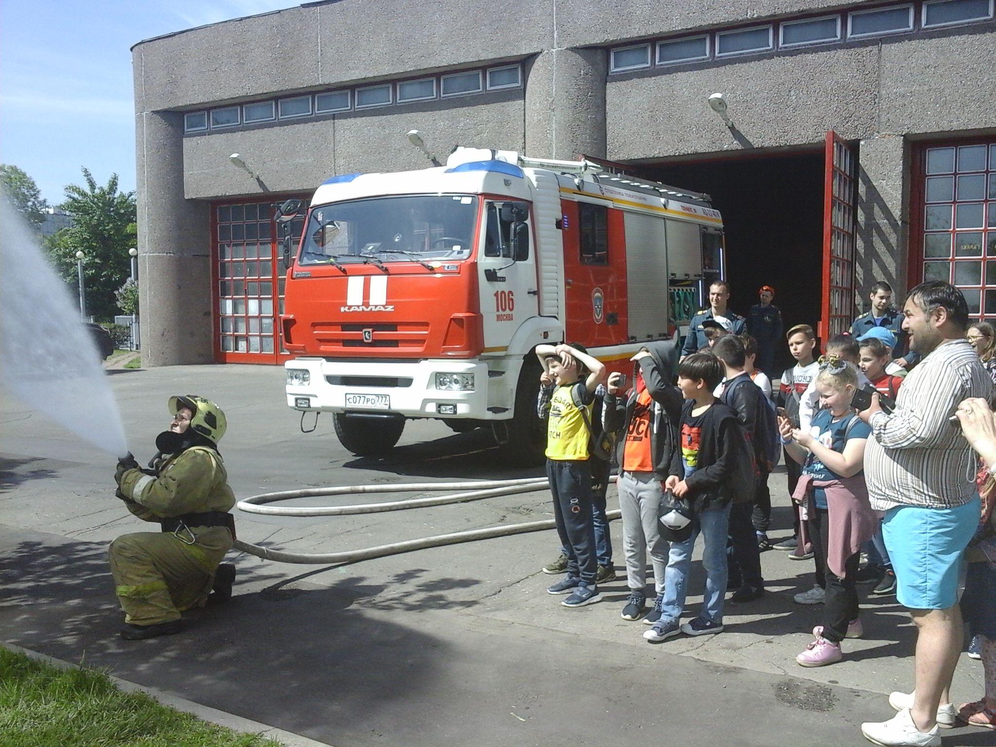 Приходите в гости к нам – о героической профессии пожарного расскажем вам
