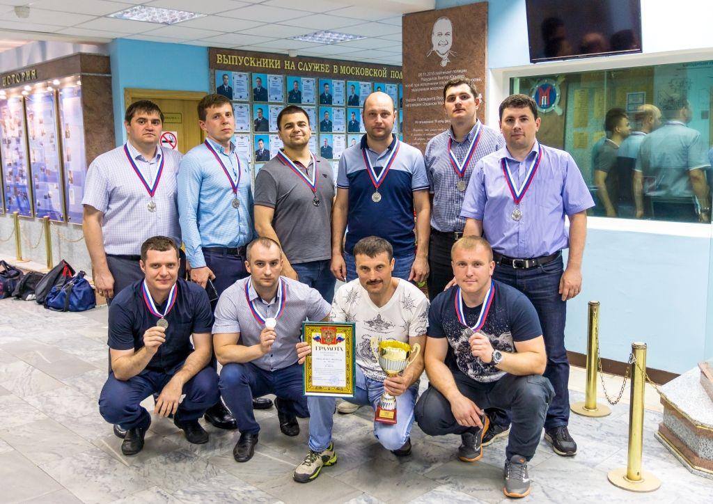 Команда УВД по ЮАО завоевала 2-е место в турнире по мини-футболу в Юридическом колледже