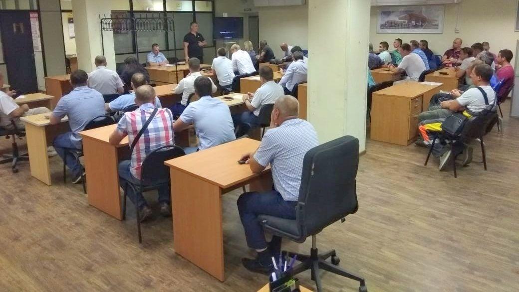 Сотрудники ГИБДД Южного округа столицы провели круглый стол в транспортной компании