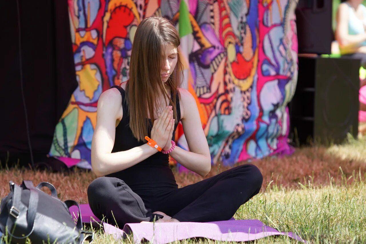 Более 55 тысяч человек отметили Международный день йоги в «Царицыне»