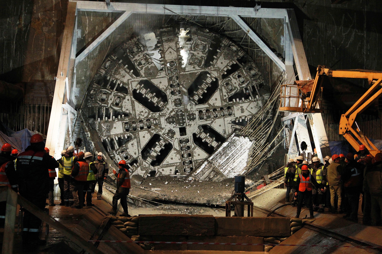 При строительстве большого кольца в Москве задействованы 15 щитов