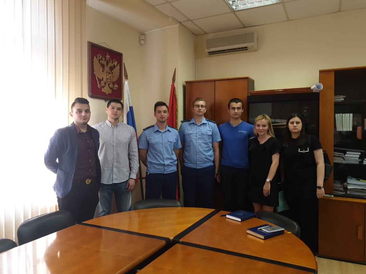 Парламентарии Москворечье-Сабурово обсудили проблемы современной молодежи