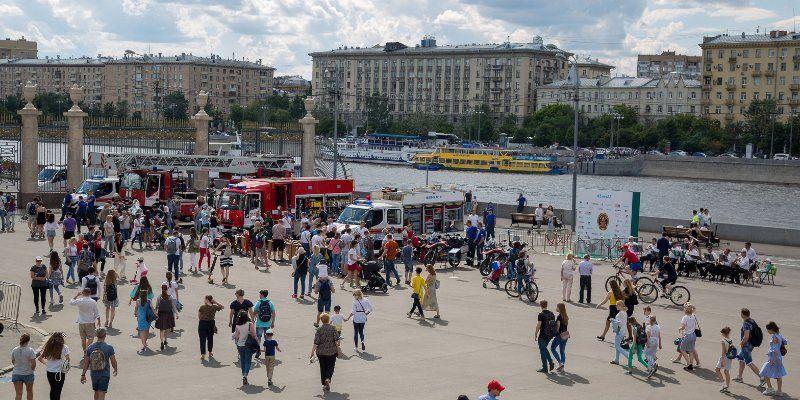 «Активным гражданам» московские спасатели продемонстрировали свои возможности
