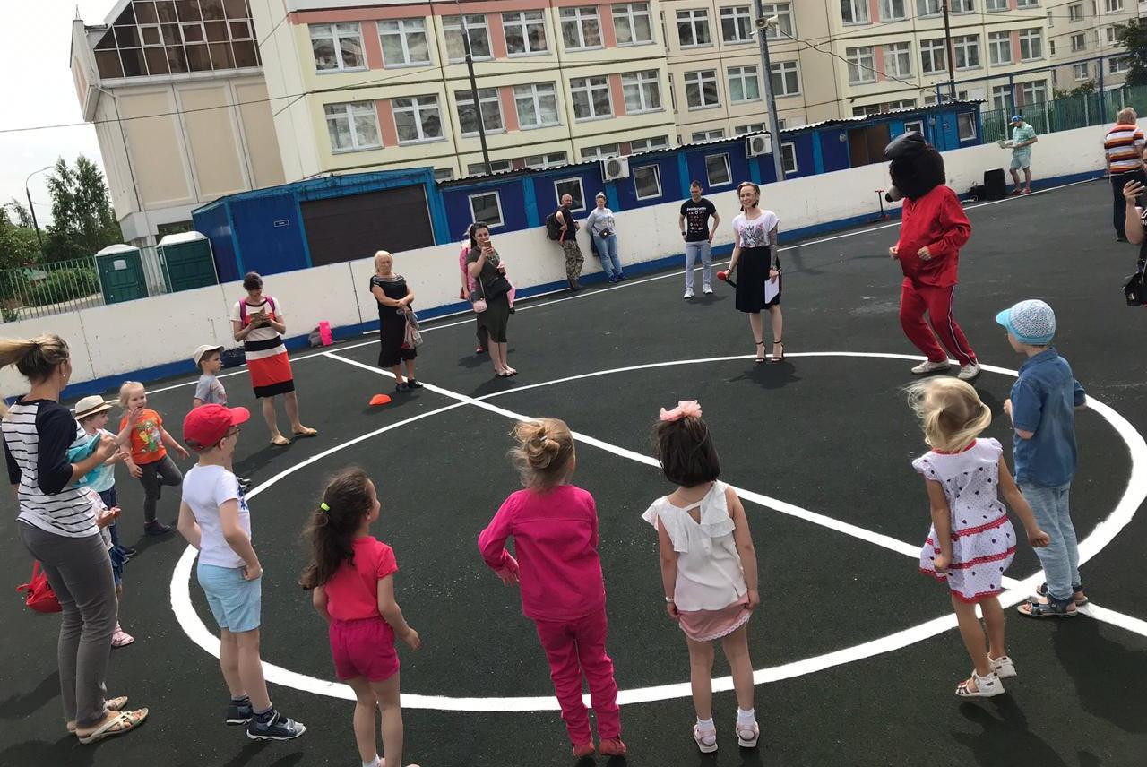 Смешные лютики и Мощные бульдозеры: как провели детский праздник в Бирюлеве Восточном