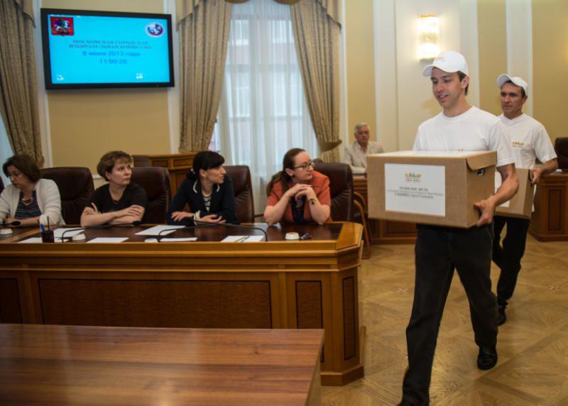 ОП Москвы: Полиция обеспечила безопасность сборщиков подписей. Фото: архив, «Вечерняя Москва»