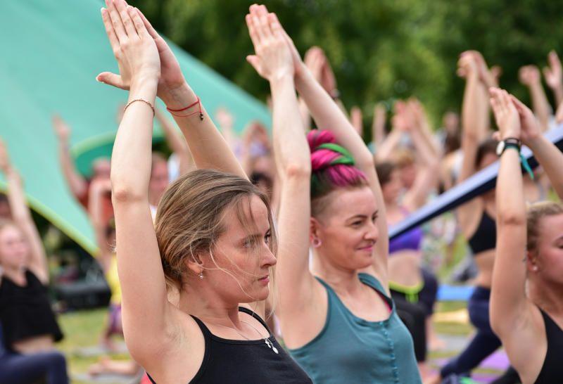 Йога при остеохондрозе грудного отдела можно ли