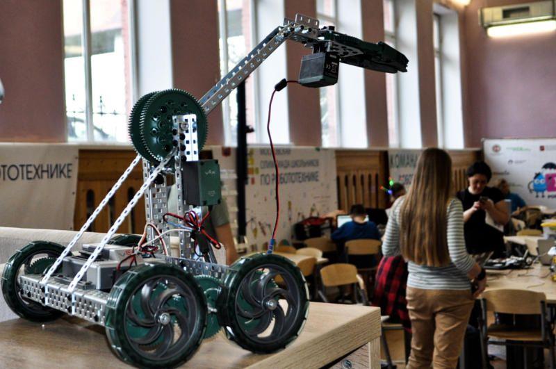 Столичные школьники победили в финале робототехнической олимпиады