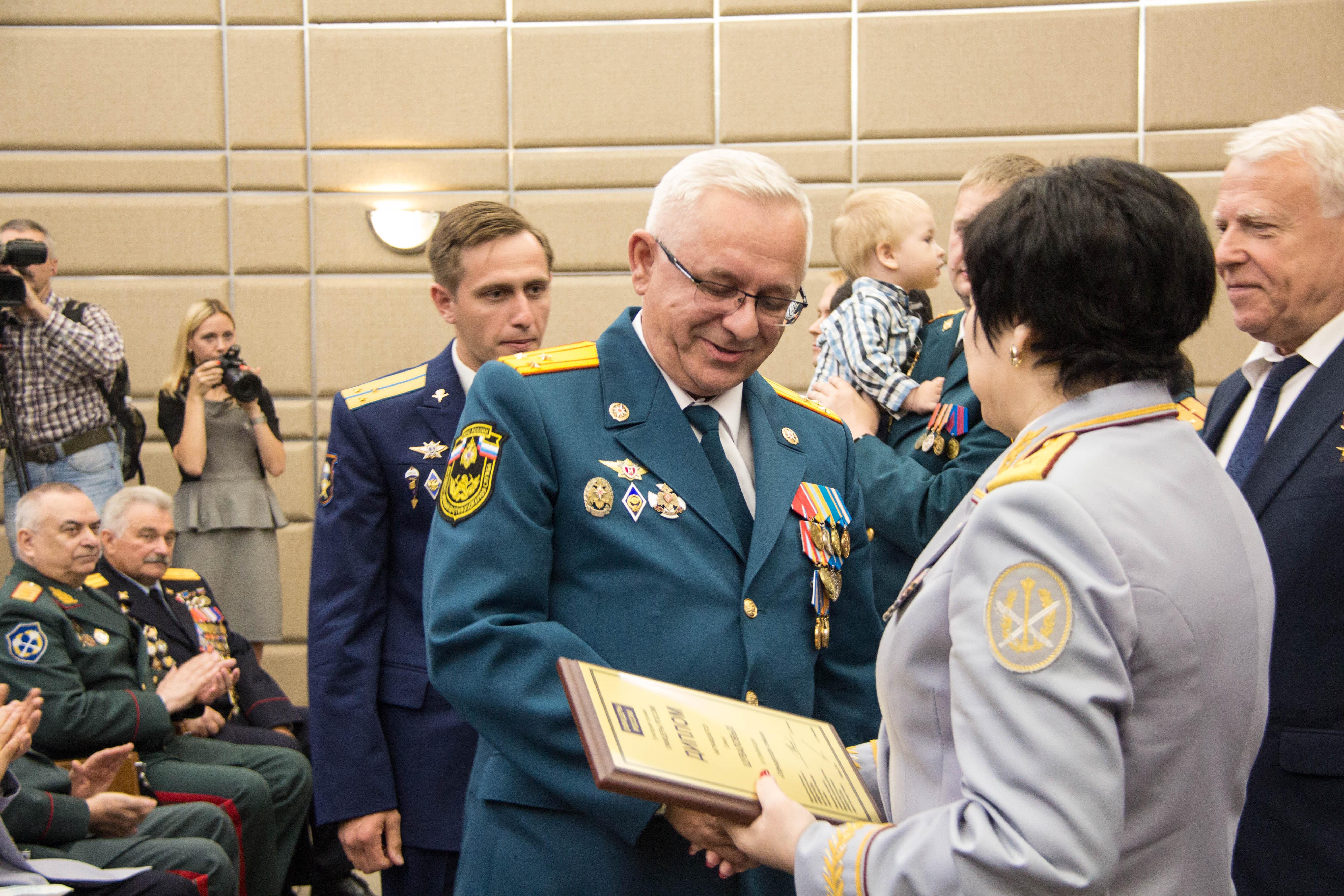Сотрудники МЧС Москвы награждены премией «Офицеры России»