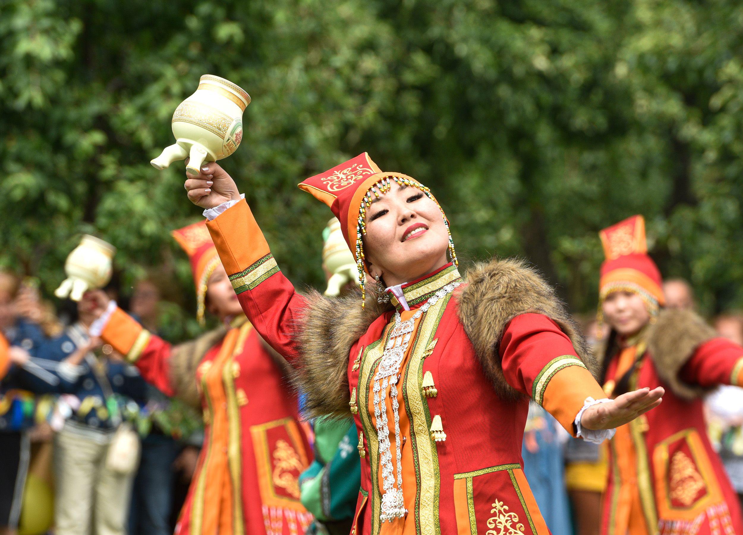 В Якутию без билета: Ысыах прошел в Коломенском