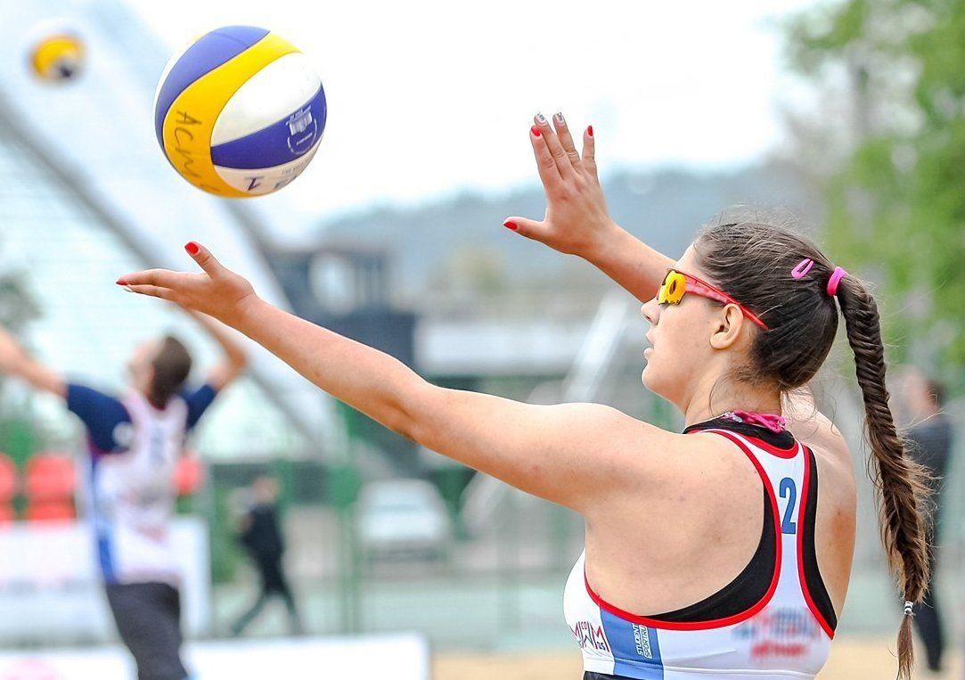 Соревнования по пляжному волейболу проведут в «Садовниках»