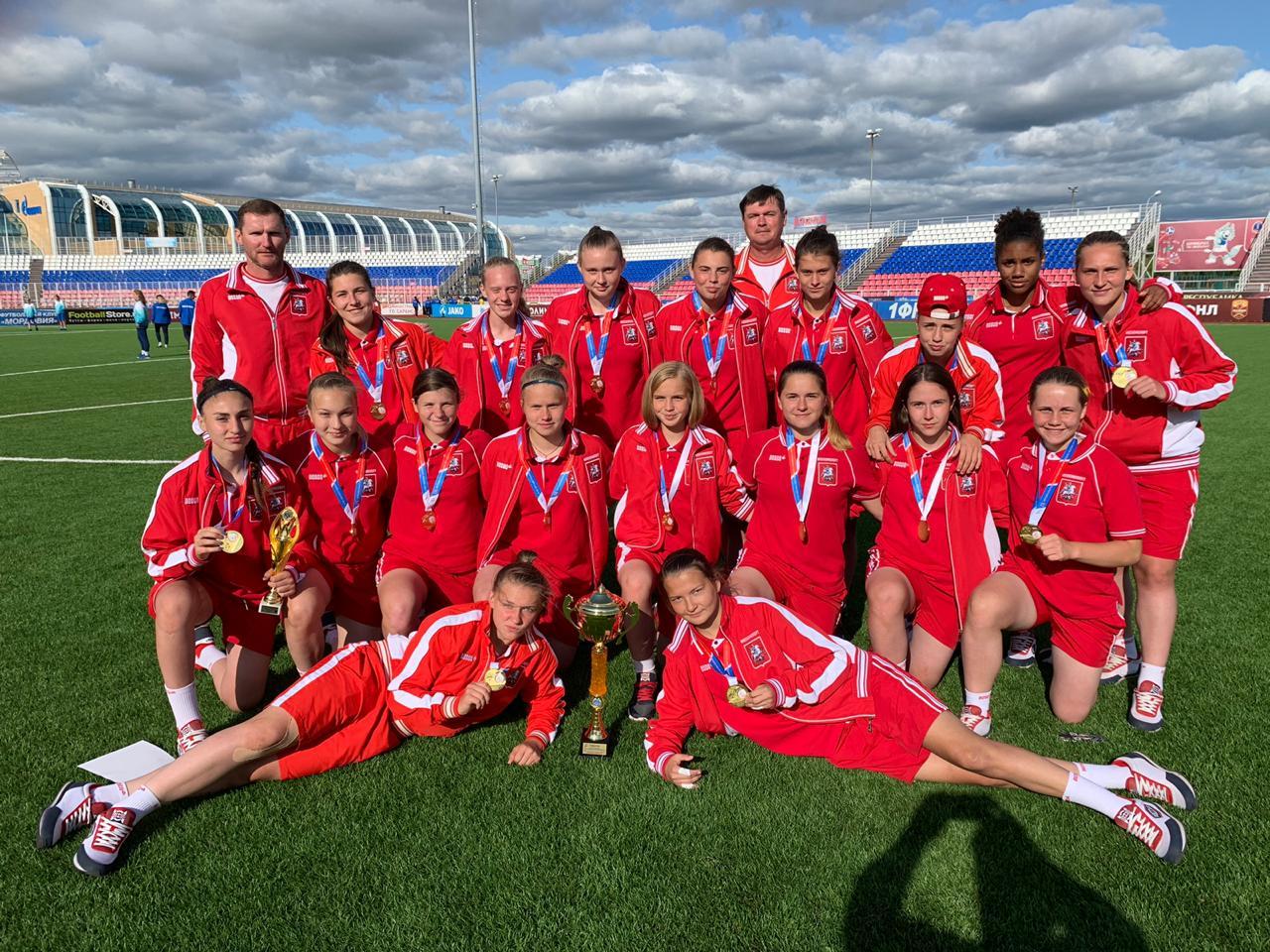Женская сборная Москвы по футболу выиграла спартакиаду молодежи