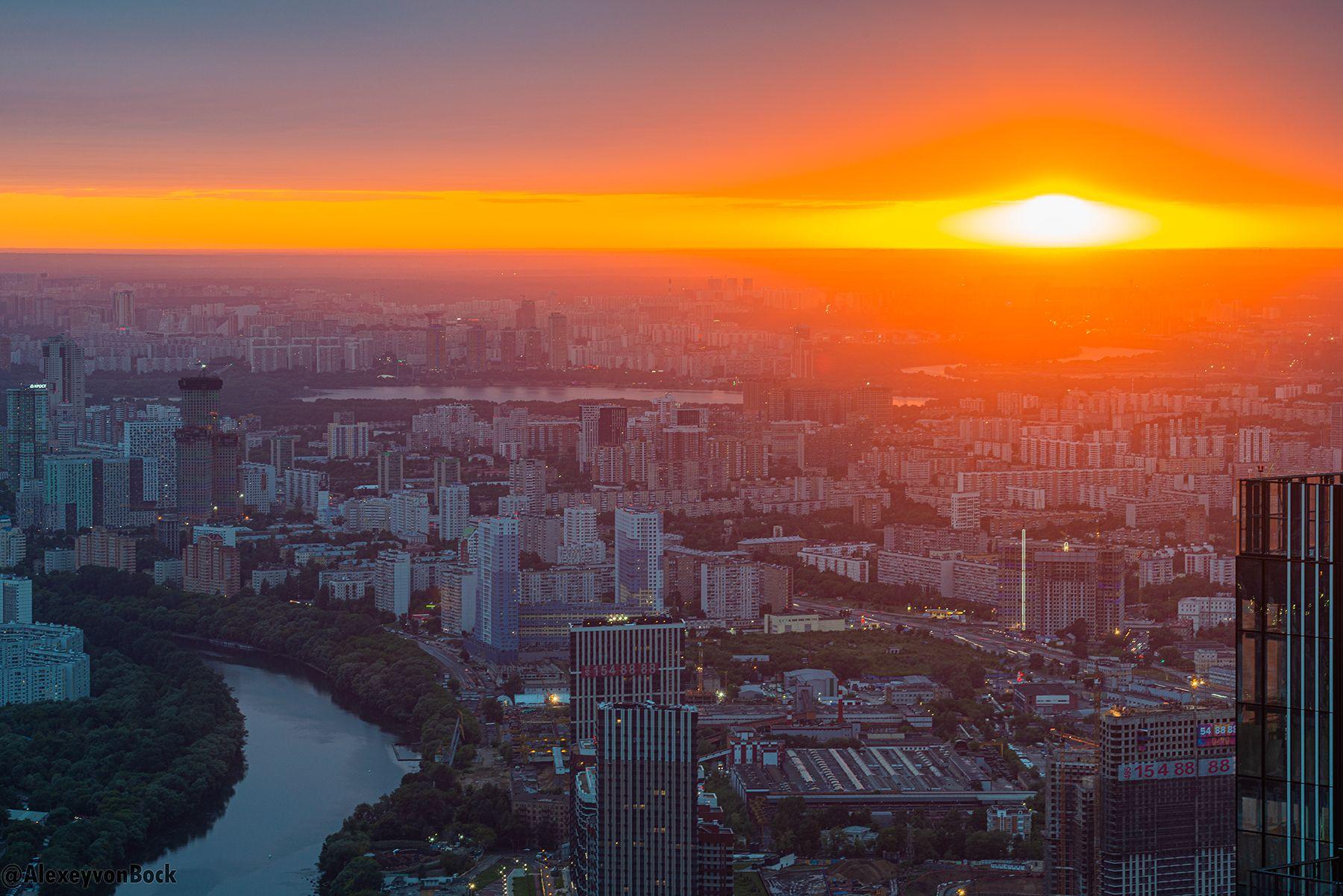 Роман Вильфанд пообещал холодный июль и жаркий август в Москве