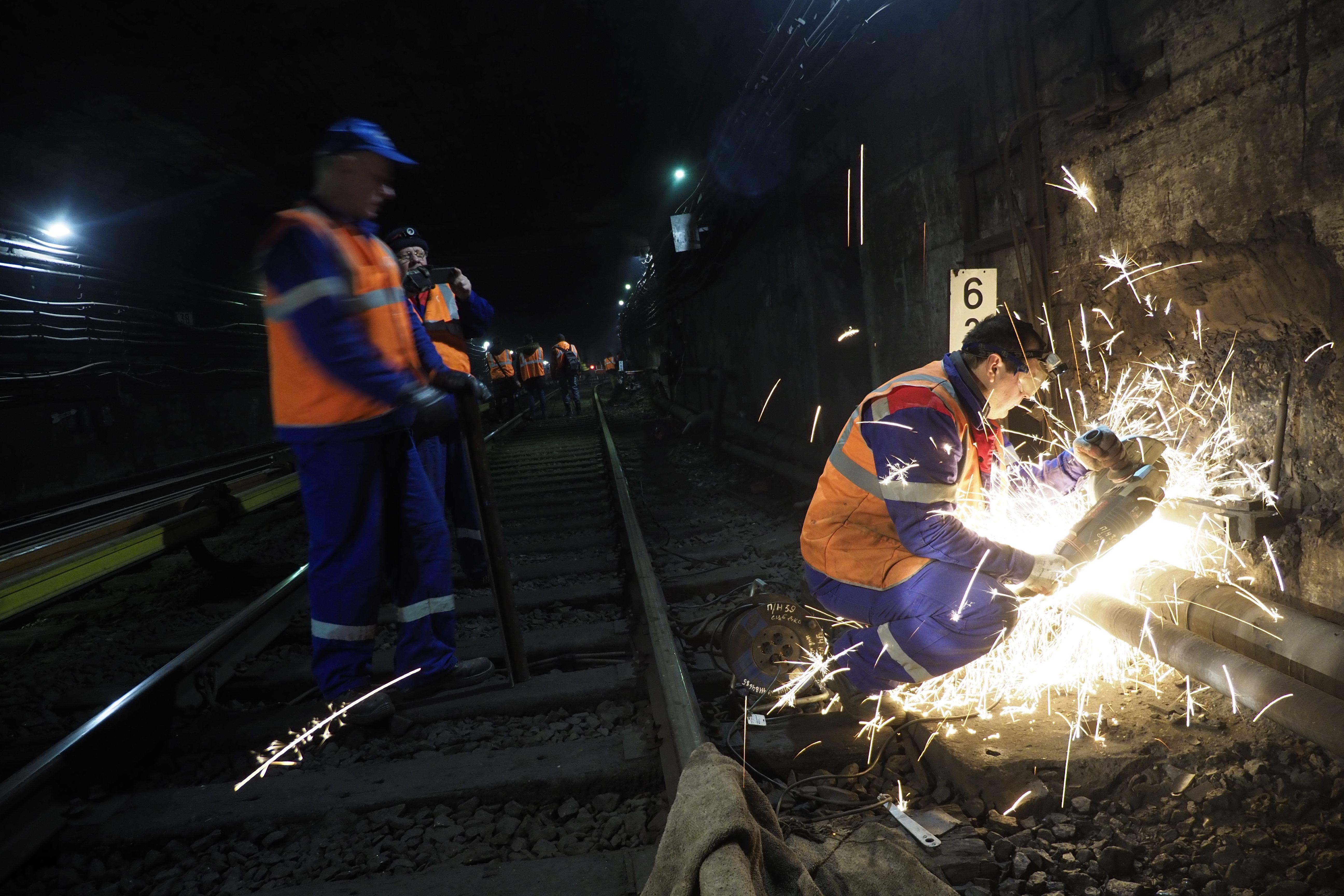 Уровень шума и вибрации снизили в московском метро