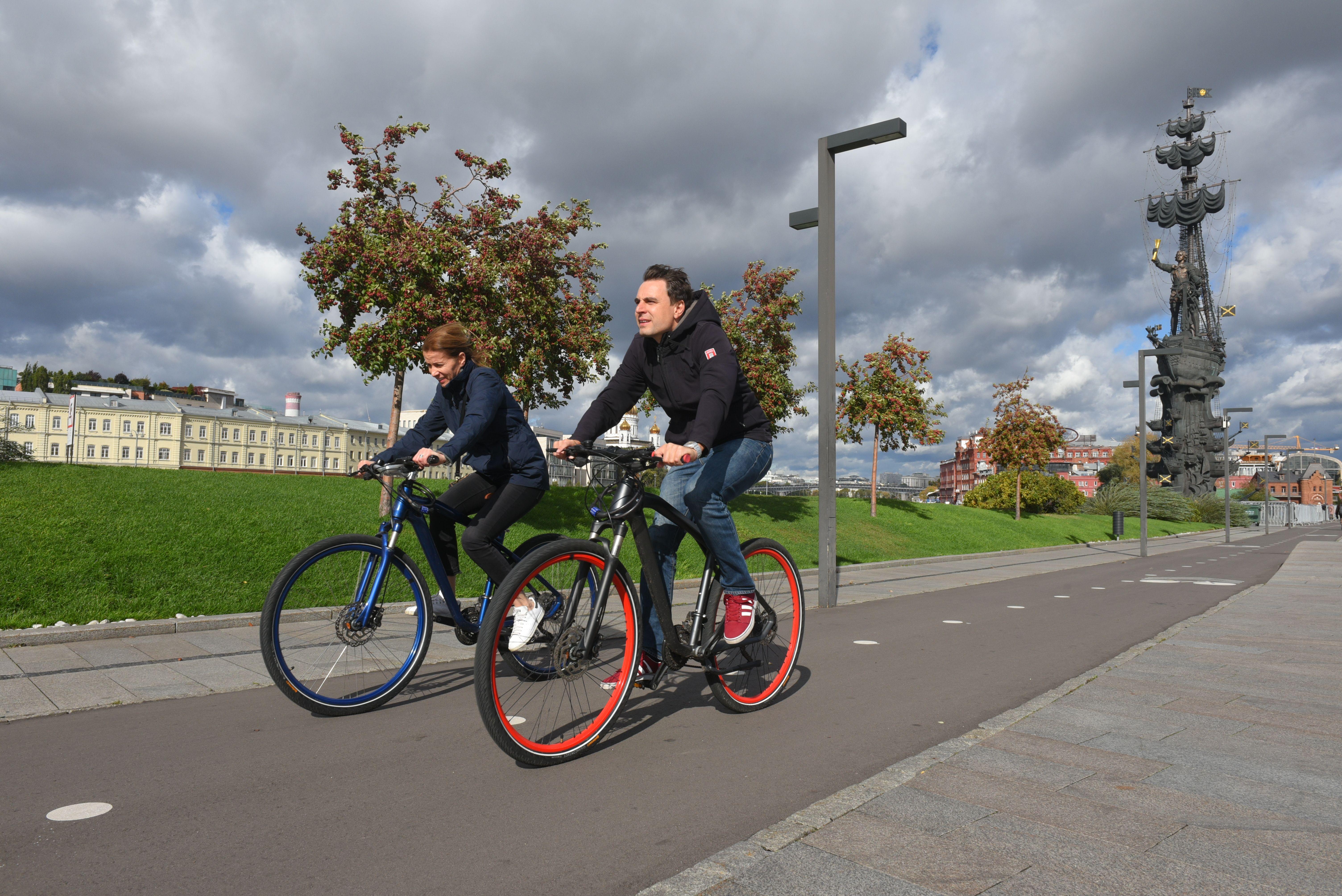 Московский врач призвал отказаться от электросамоката в пользу велосипеда