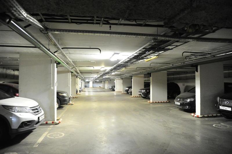 Эксперты проверили качество недавно построенного подземного паркинга на «Острове мечты»