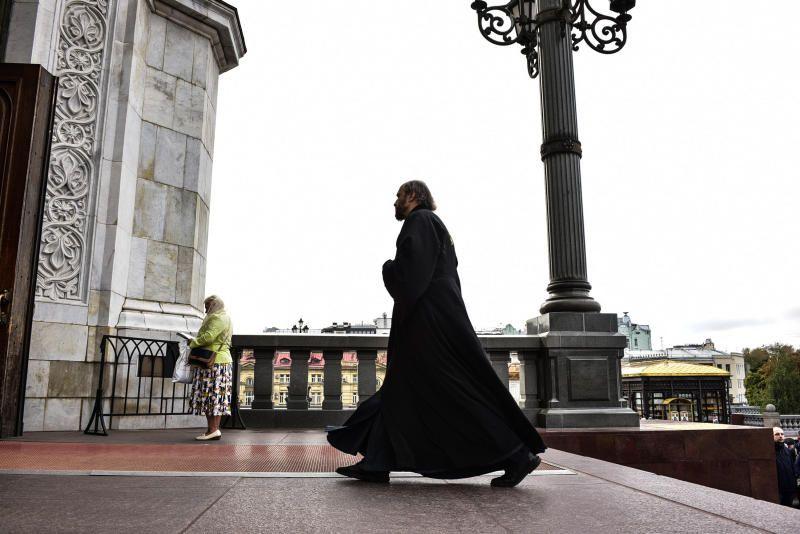 Священник раскрыл истинный смысл паломничества к мощам святых Петра и Февронии