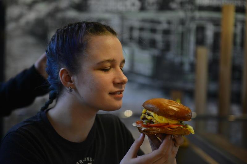 День гамбургера отметят 27 июля в Парке Горького