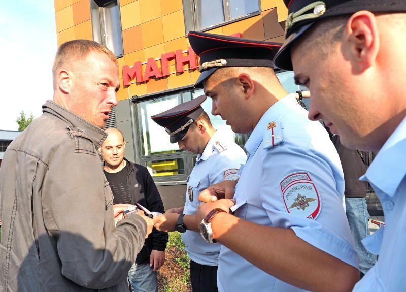 Столичные полицейские задержали подозреваемых в совершении разбойного нападения