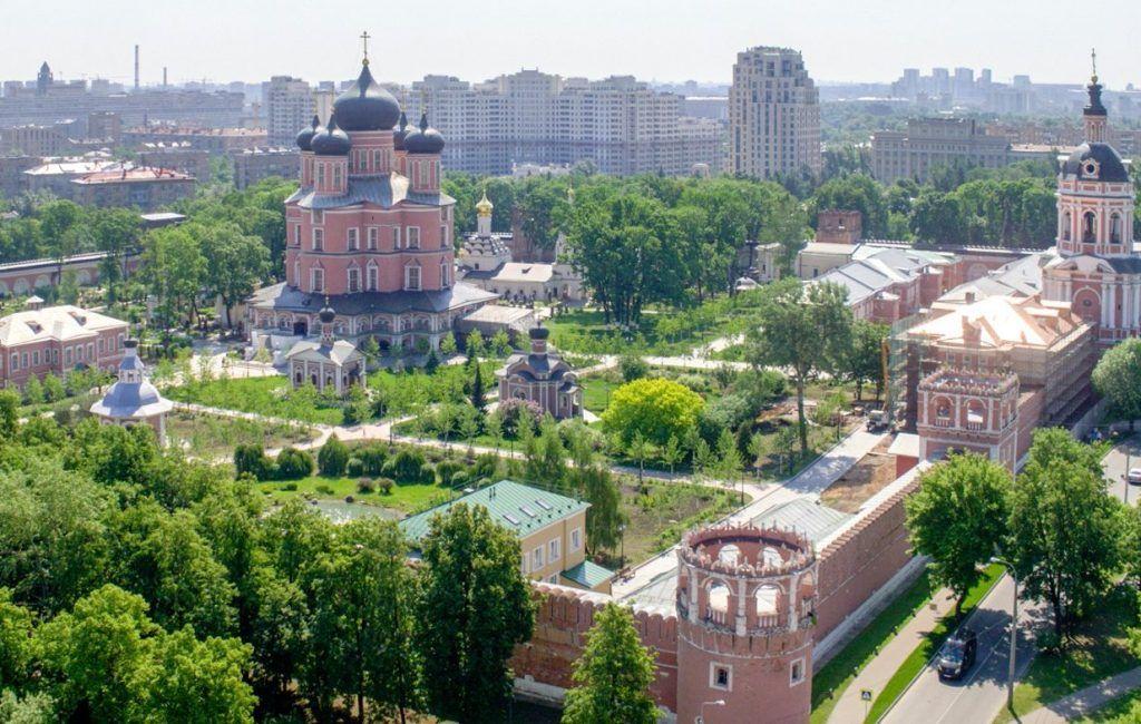Вебинары по оказанию социальных услуг организуют при Донском монастыре. Фото: сайт мэра Москвы