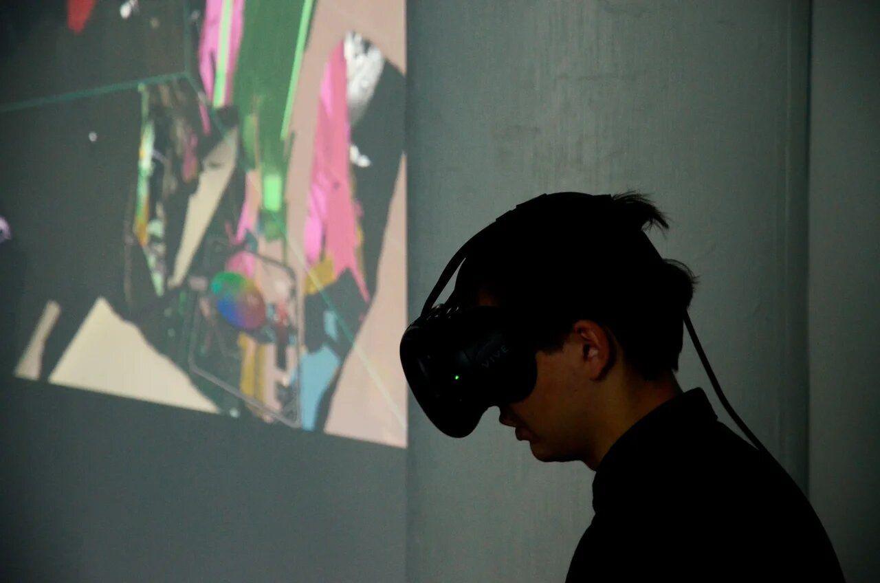 История о том, кактехнологии и искусство встретились в виртуальной реальности