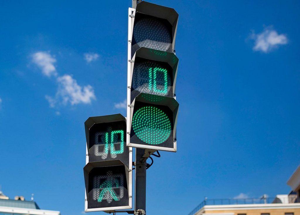 Режим работы некоторых светофоров на юге изменили. Фото: сайт мэра Москвы