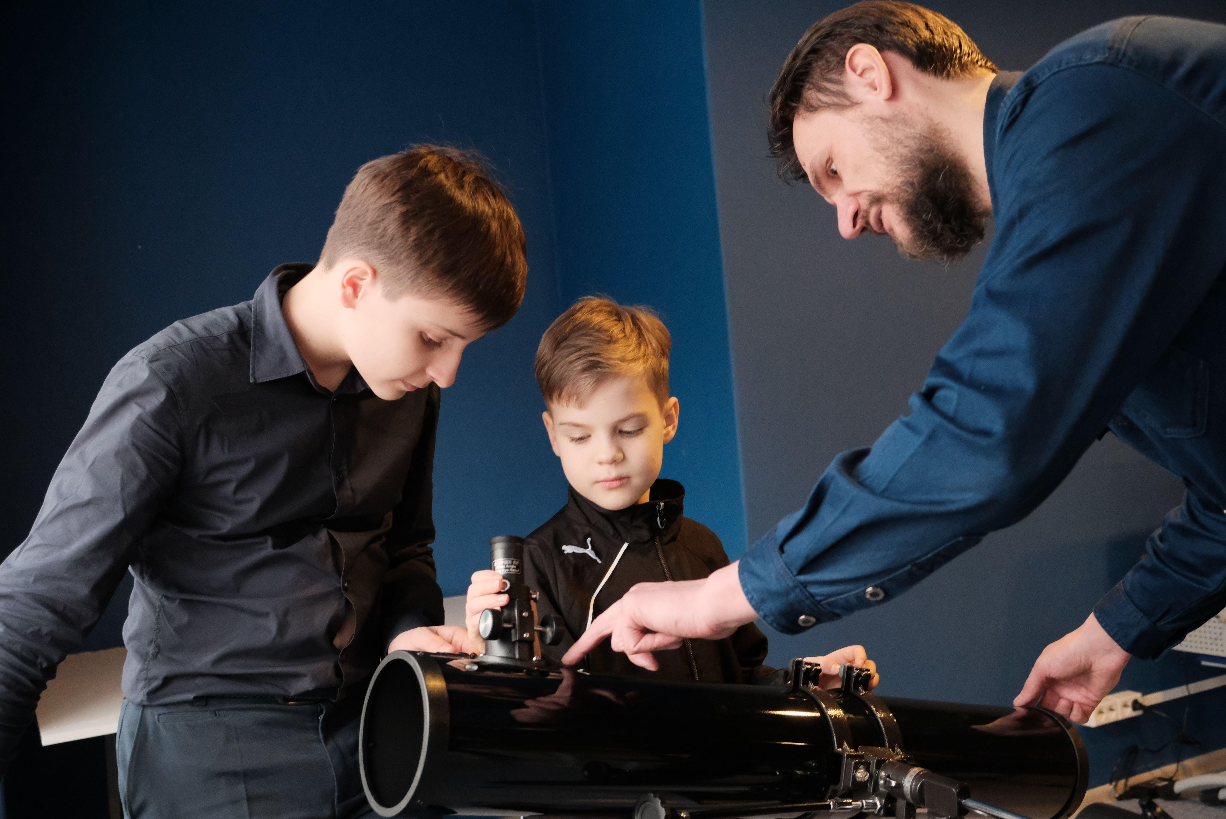 Юных москвичей пригласили на уроки астрономии