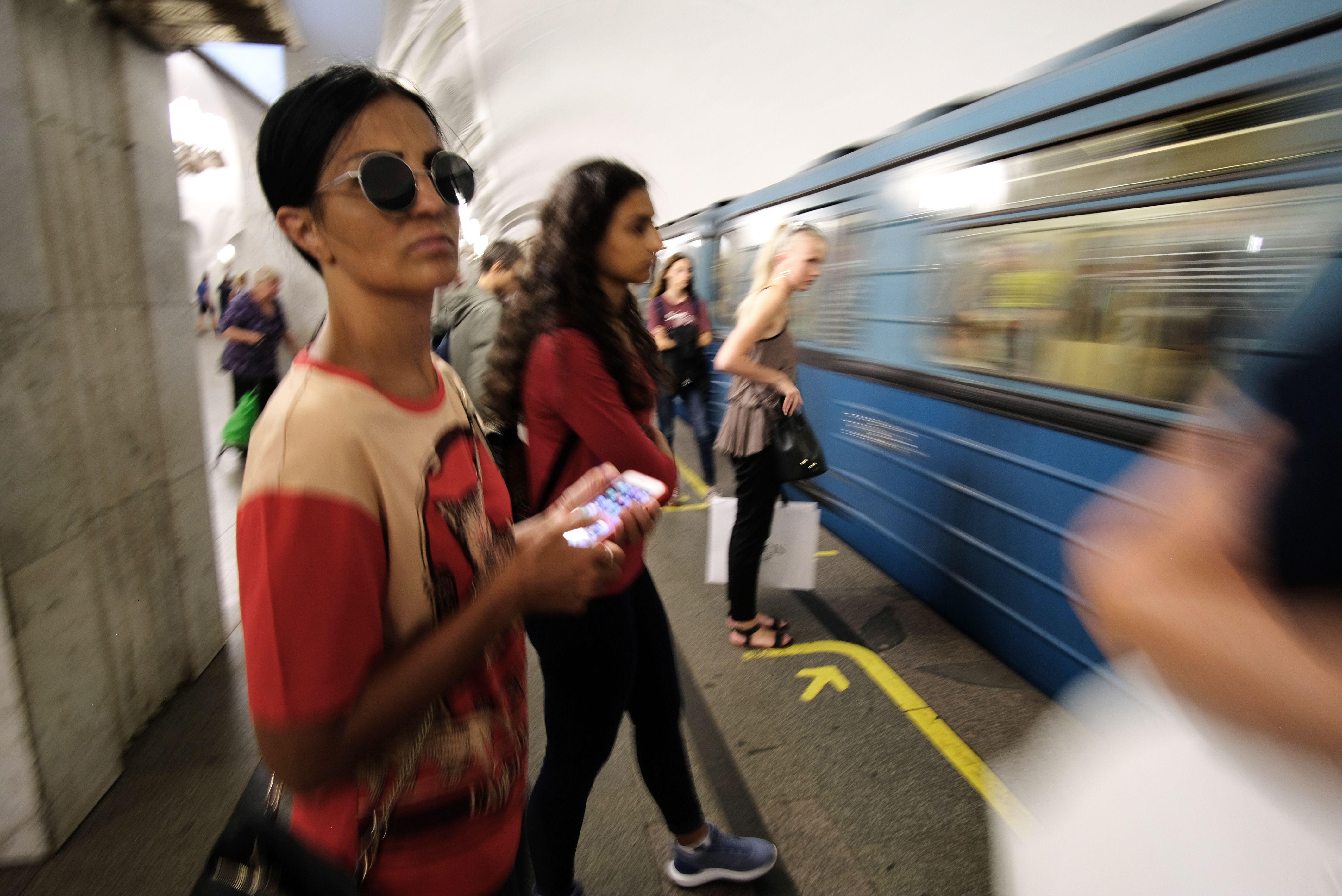 Движение на серой линии метро Москвы восстановлено после трагедии