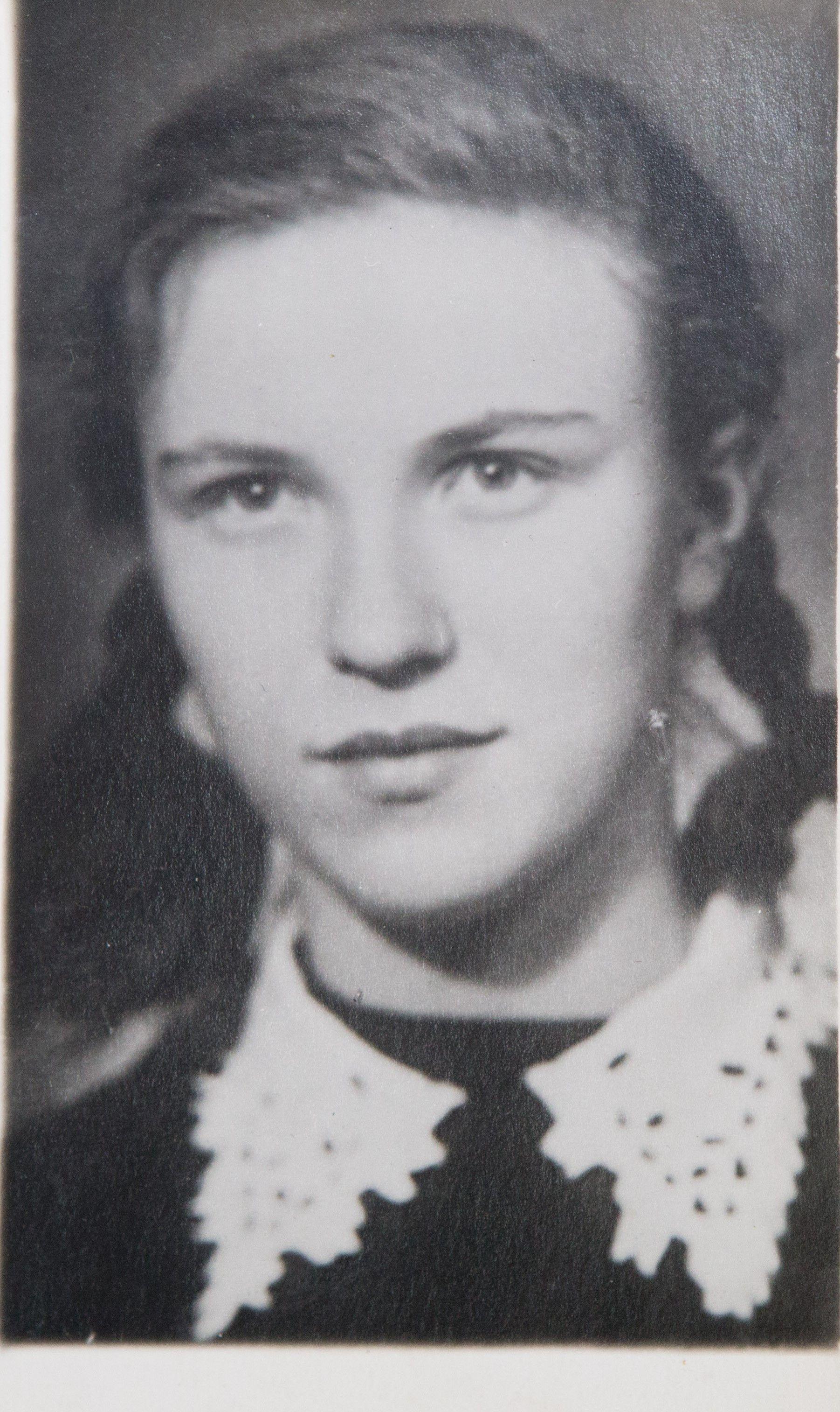 1958 год. Наталия в 10-м классе. Фото: из личного архива