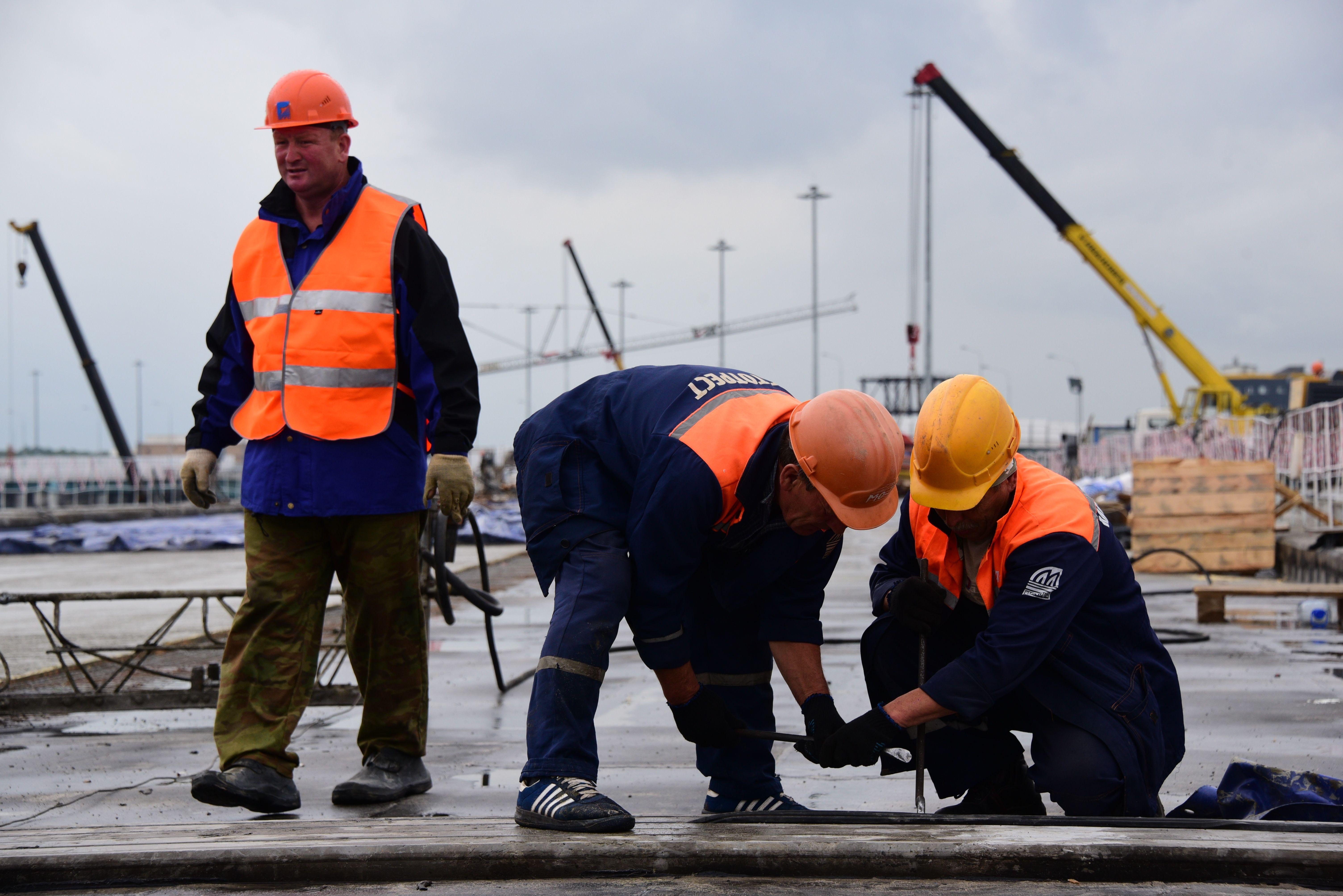 В Москве забетонировали эстакаду Киевского шоссе у станции метро «Саларьево»