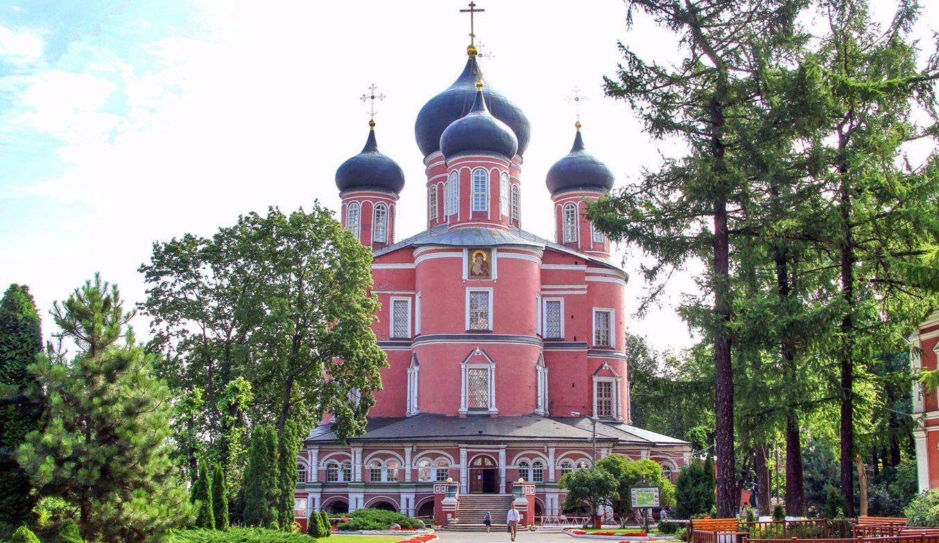 Донской монастырь перейдет на зимний распорядок дня