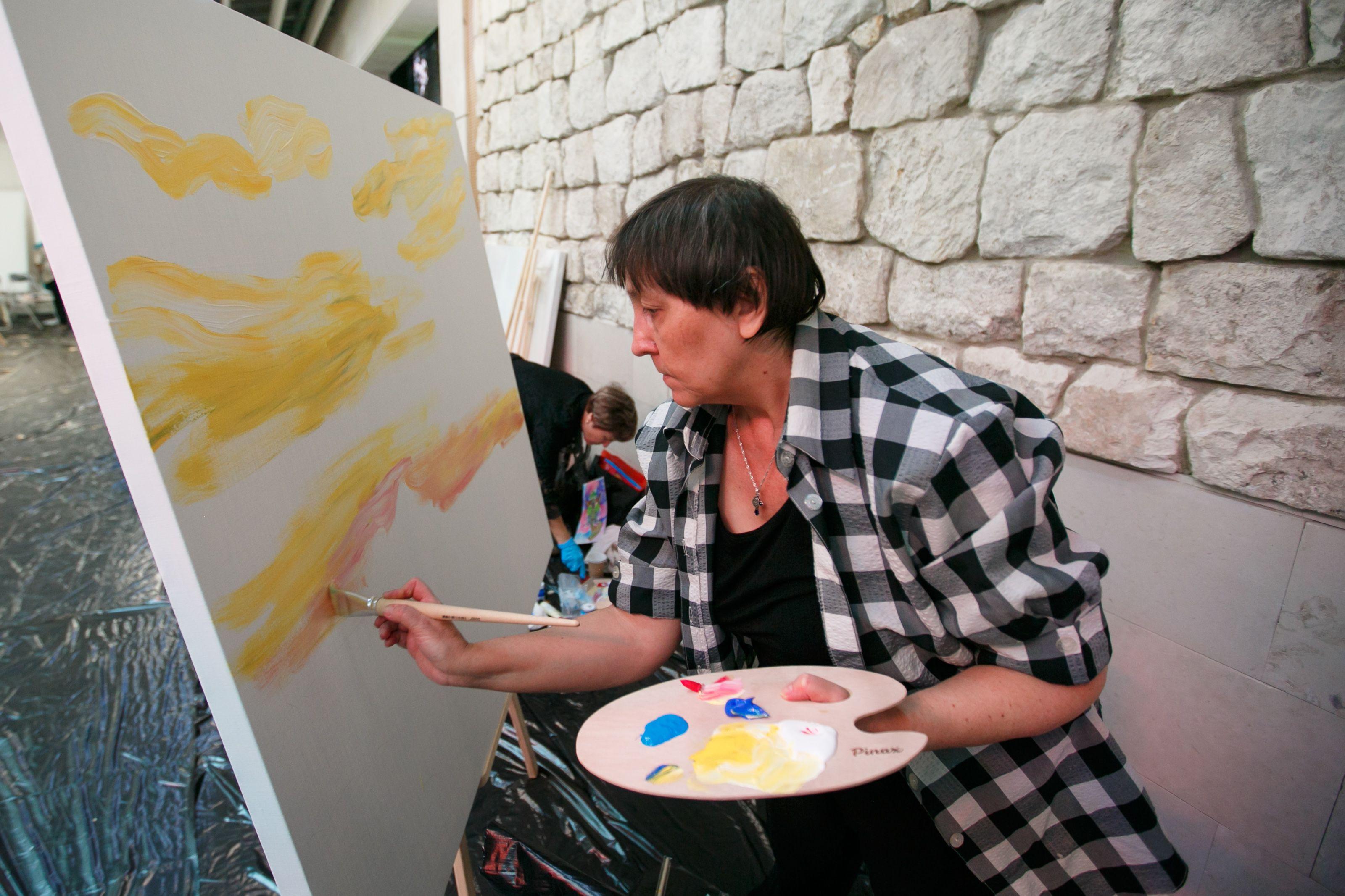Художники юга представят картины на выставке в «Зарядье»