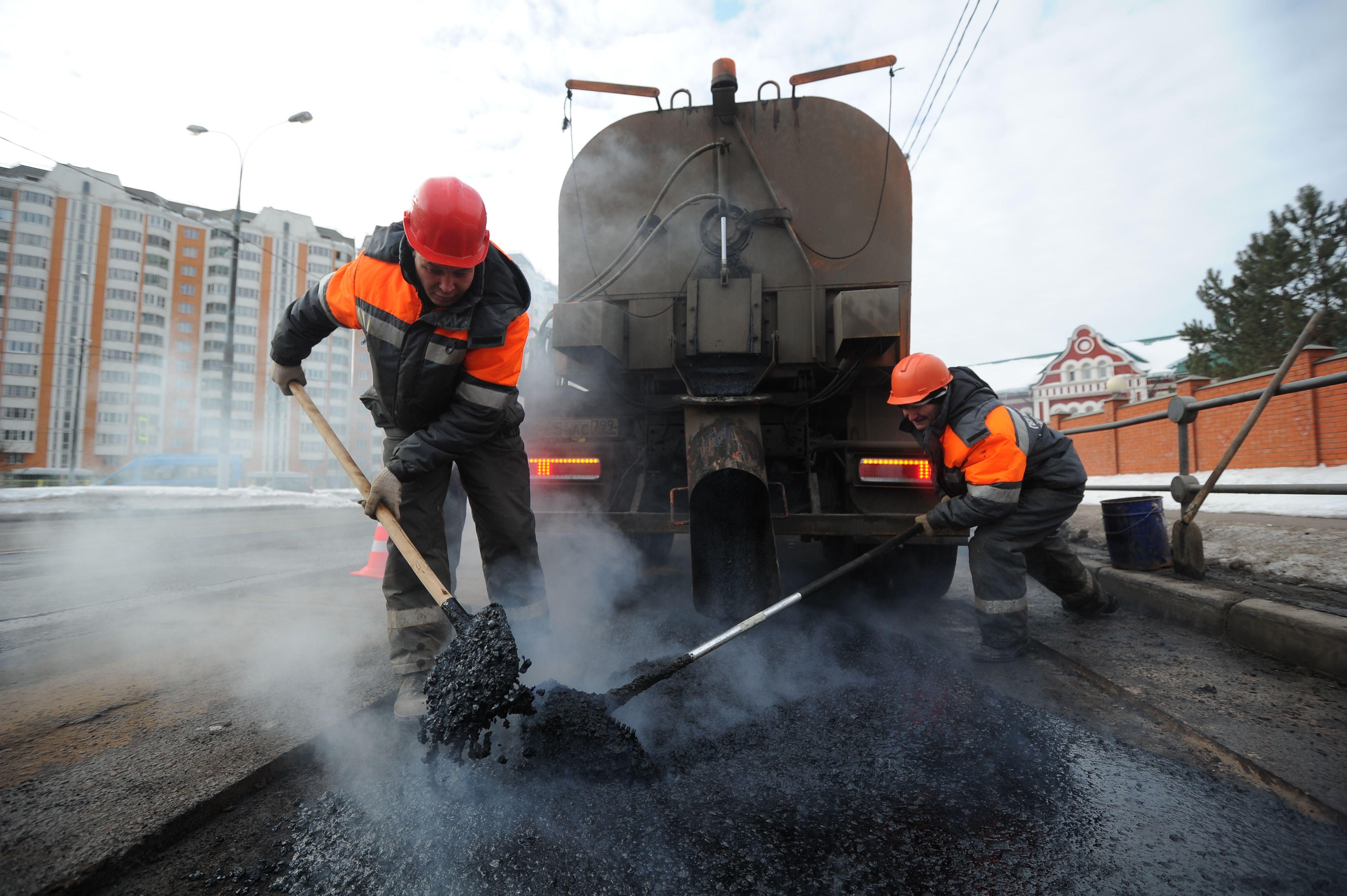 В Москве стартовала укладка асфальта на съезде с Калужского шоссе