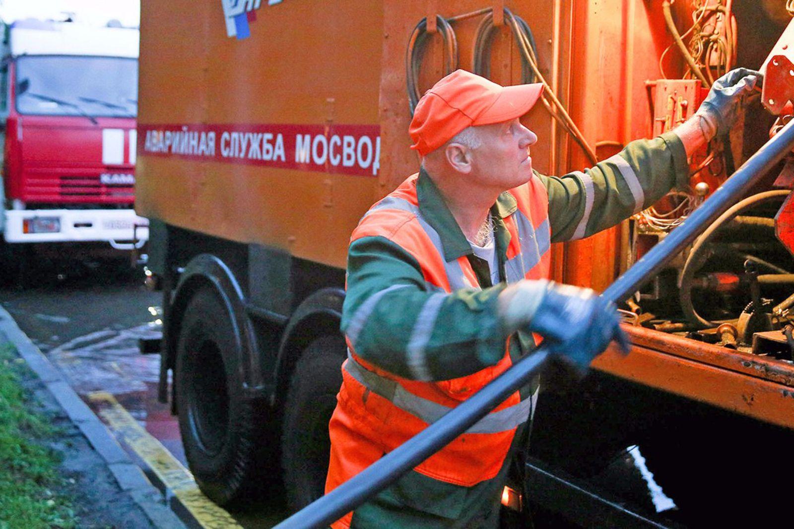 Чрезвычайных ситуаций вследствие ливня в Москве не зафиксировали