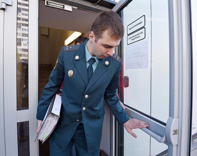 По постановлению прокурора Южного административного округа города Москвы судом привлечена к ответственности организация в связи с приемом на работу бывшего государственного служащего без уведомления по последнему месту службы